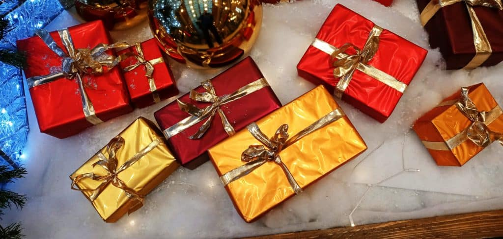 Bunte Weihnachtspäckchen